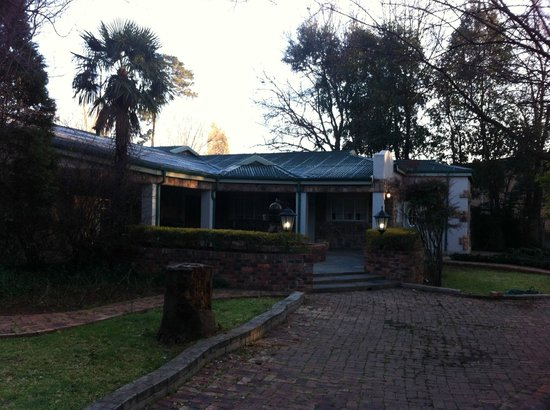 The Village Guest House : Village Manor House