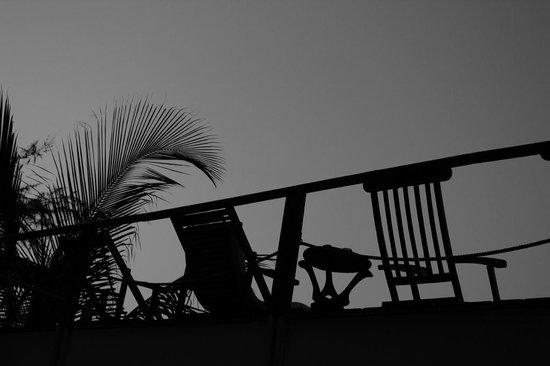 Baia Sonambula Guest House : silhouette