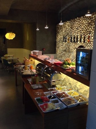 MOODs Boutique Hotel: Breakfast