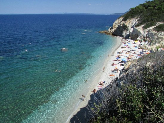 Portoferraio, Taliansko: le gradazioni dell'azzurro