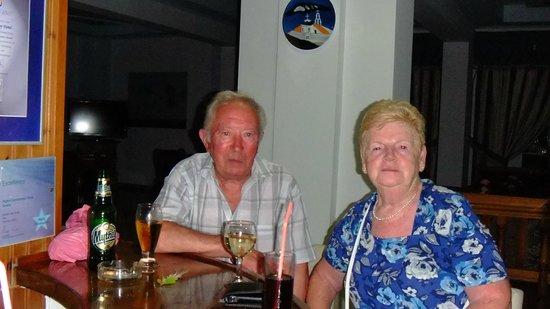 Kamari Bay Hotel: Jim and Betty
