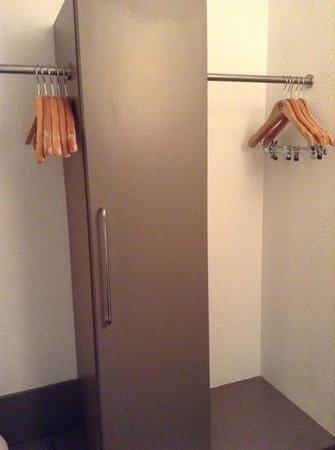 NH Weinheim: No closet