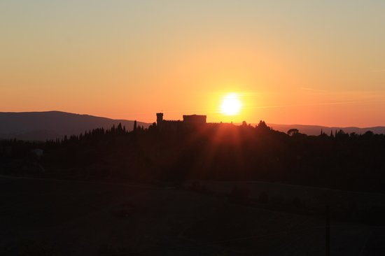 I Melograni del Chianti: Sunset from the terrace.