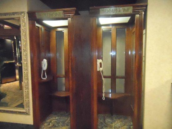 Santa Maria Inn: old phone booths