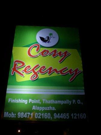 Cosy Regency: l'enseigne de l'hôtel