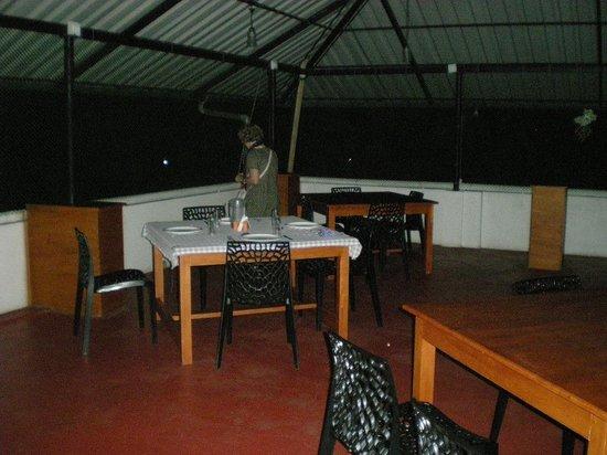 Cosy Regency: Restaurant à l'étage supérieur.