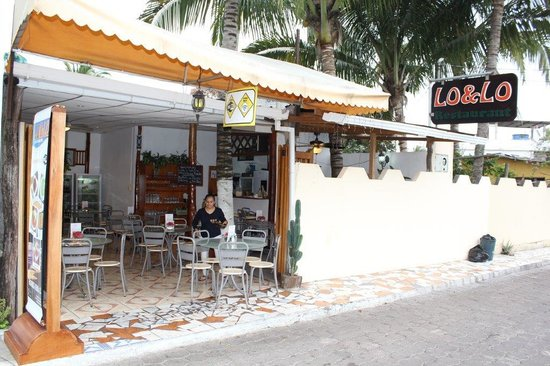 Lo&Lo Restaurant: From the street