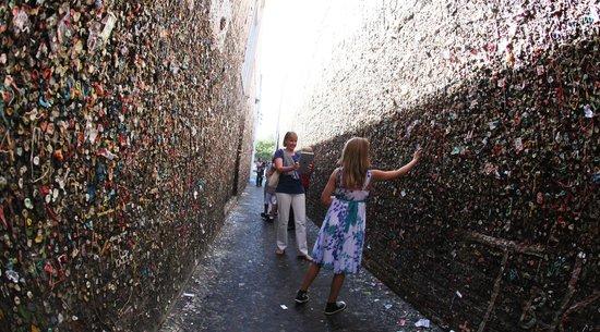 La Cuesta Inn : San Luis Obispo Bubble Gum Alley, Downtown