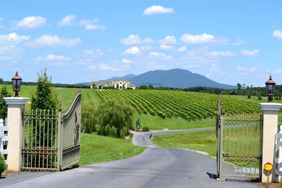 CrossKeys Vineyards: Entrance