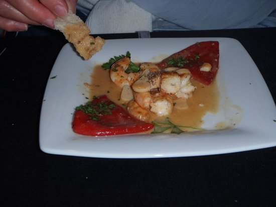 Cala Mitjana: Spicy peppers sauteed with king prawns