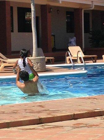 Farallones Hotel: se divierten