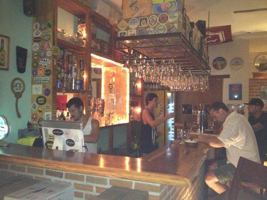Club de la Cerveza: the bar in action