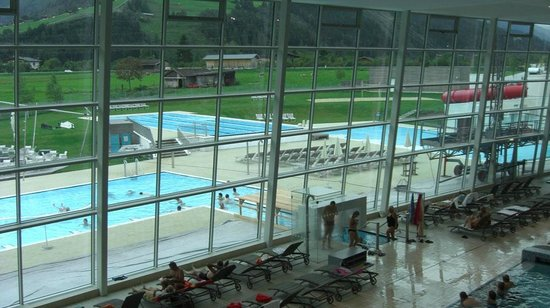 Hotel Orgler - TEMPORARILY CLOSED: Looking to the outside pools at the Tauern Spa