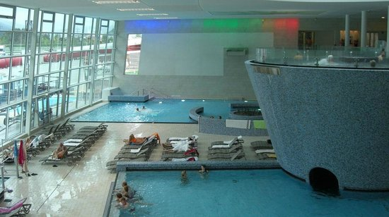 Hotel Orgler - TEMPORARILY CLOSED: Inside pools at the Tauern Spa