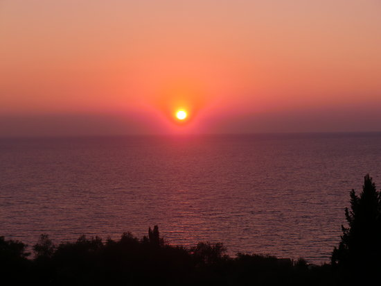 Dina's Paradise Hotel & Apartments: beautiful sunsets
