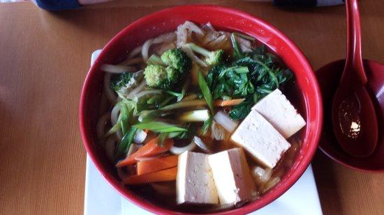 Miyabi Sushi: Vegetarische Nudelsuppe