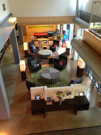 Aloft Chicago O'Hare : View of lobby
