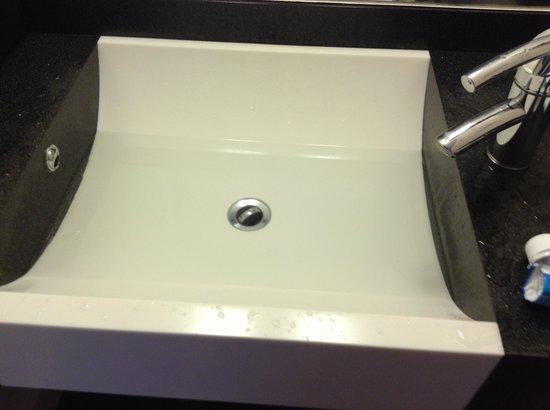 Premier Inn Newcastle - Team Valley: Slow draining wash hand basin