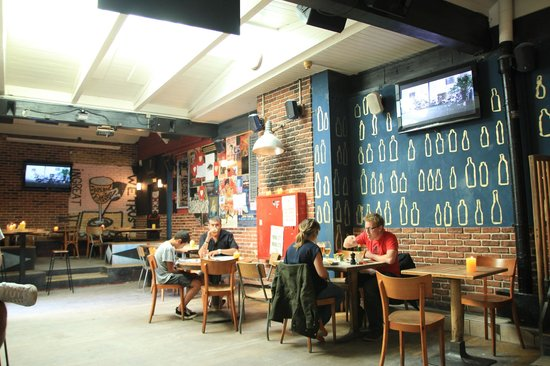 The Great Escape : Indoor dining area