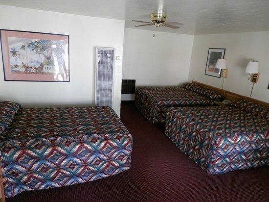Kiva Motel: Three Bed