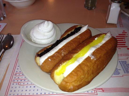 Congdon's Doughnuts: Delicious!