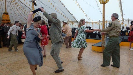Best Western Royal Beach Hotel: 40'dancing at Goodwood