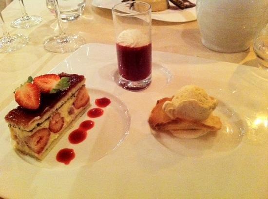 La Ranconniere : fraisier coulis de framboise glace vanille