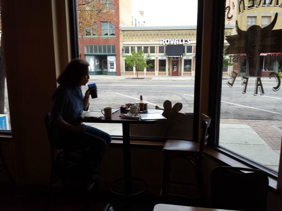 Karen's Cafe: Window table