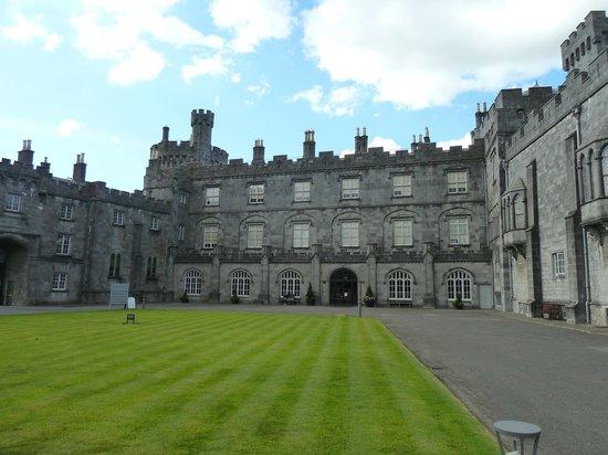 Ariel House : Killkenny Castle