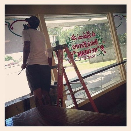 Nelson's Ice Cream Store: Window's being painted