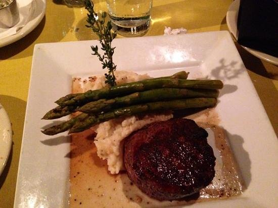 Luna Bella : Filet (cooked to perfection)