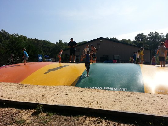 Yogi Bear's Jellystone Park Camp-Resort  Hagerstown : jumping pillow