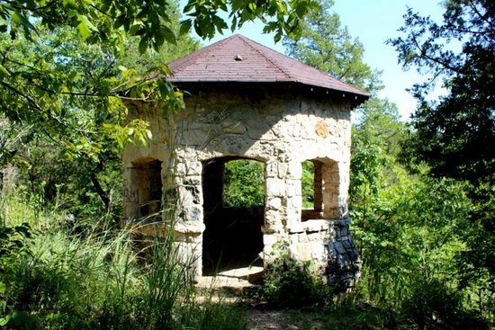 Meramec State Park Campground : Hiking shelter