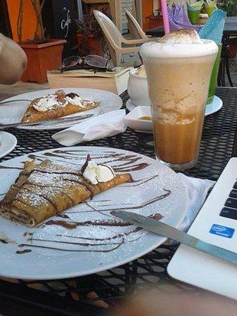 Cafe Hidalgo : crepas riquisimas
