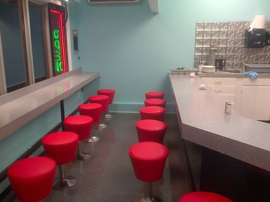 North Corner Grill: Counter Seating