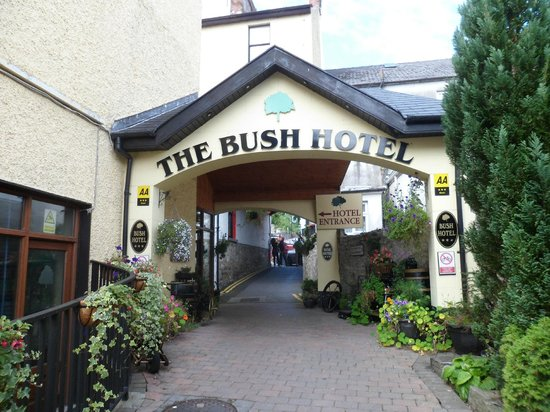 Bush Hotel: back of hotel