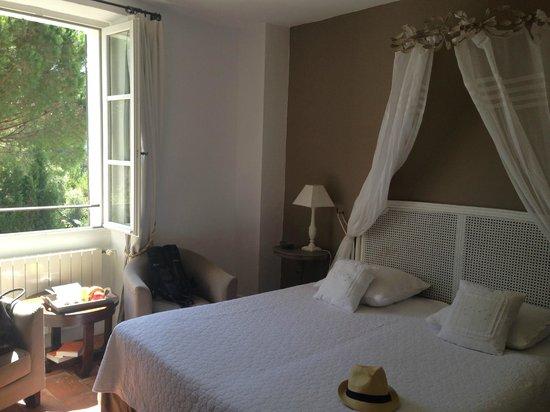 Le Mas de Chastelas : Room in the main building