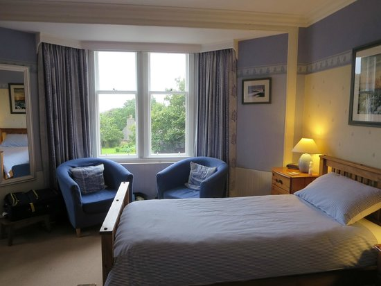 13 Palace Road: another view of our twin room