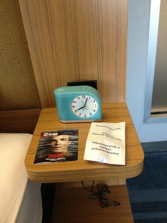 aloft Winchester : Cute clock!
