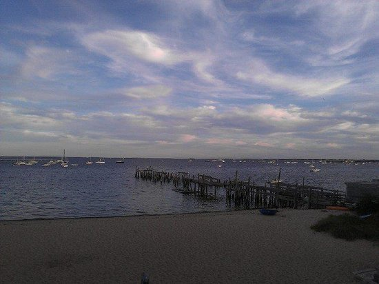 Ross' Grill : View from Ross/P town Harbor