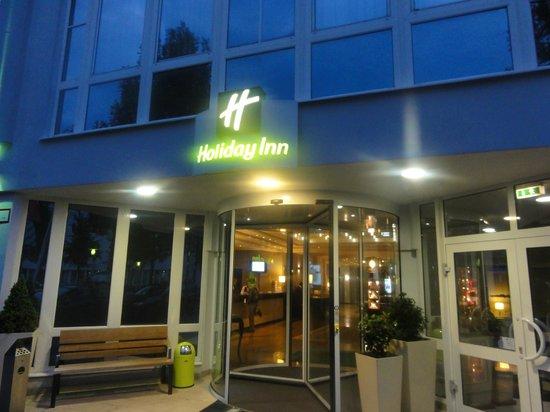 Holiday Inn Muenchen Unterhaching: Outside