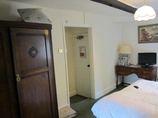 Noel Arms Hotel: Room 2