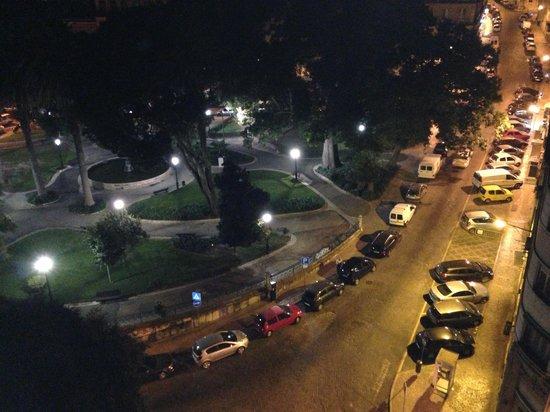 Sofitel Lisbon Liberdade: Vista da varanda!