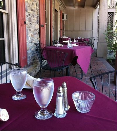Outdoor dining at the Carversville Inn.