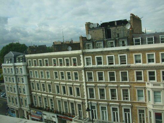 Cromwell International Hotel : View
