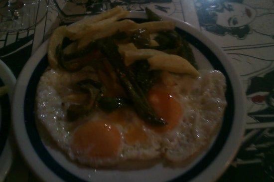 La Taberna de Ra: huevos con patatas y pientos rico rico