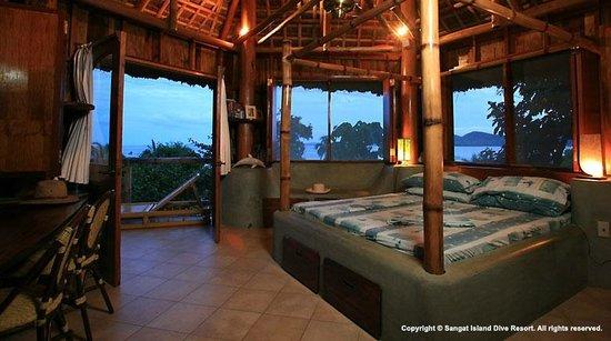 Sangat Island Dive Resort: Hilltop Chalet - Interior