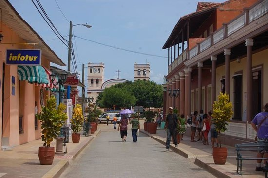 Casa del Chocolate: Strada pedonale-Centro di Baracoa