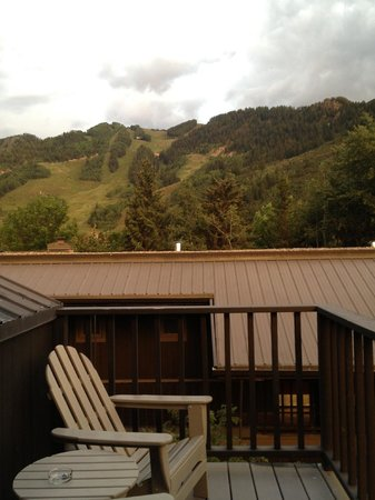 Hotel Aspen: View from the balcony of room 323.