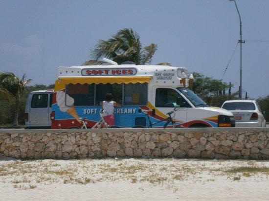 Arashi Beach: Venta de refrescos y helado